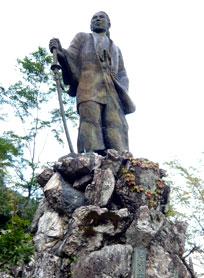 吉村虎太郎像